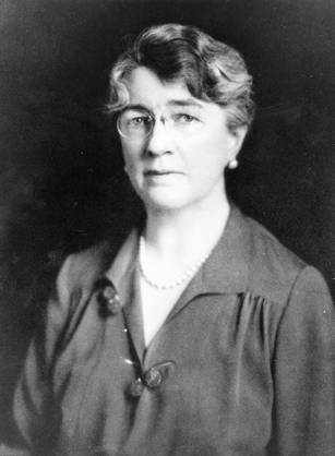 Dr. Louise Pearce