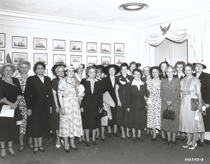 Margaret Craighill with a large group of women in civilian clothing