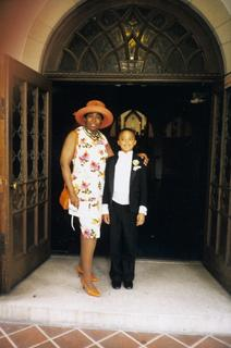 Sadye Curry with her great nephew, Austin Curry, ca. 2002
