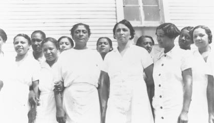 Dorothy Ferebee (center) and the Mississippi Health Project staff, 1937
