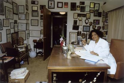 Edith Irby Jones in her office in Houston, 1986