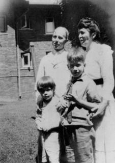 Dorothy Reed Mendenhall with her husband Charles and their two sons, ca. 1918